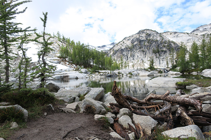 enchantments hiking lake viviane